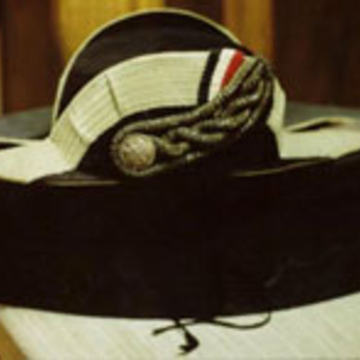 GERMAN ADMIRAL'S FORE AND AFT CERIMONIAL HAT WITH ISSUE BOX.